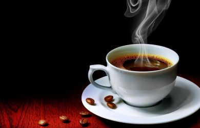 Ly cà phê Buôn Ma Thuột thơm ngon.